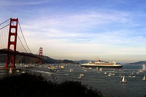 English: RMS Queen Mary 2 just went under Gold...