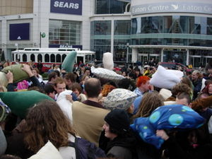 English: Flash mob/Pillow fights in Toronto, D...