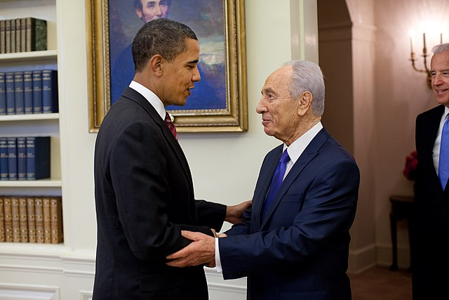 Obama welcomes Shimon Peres in the Oval Office