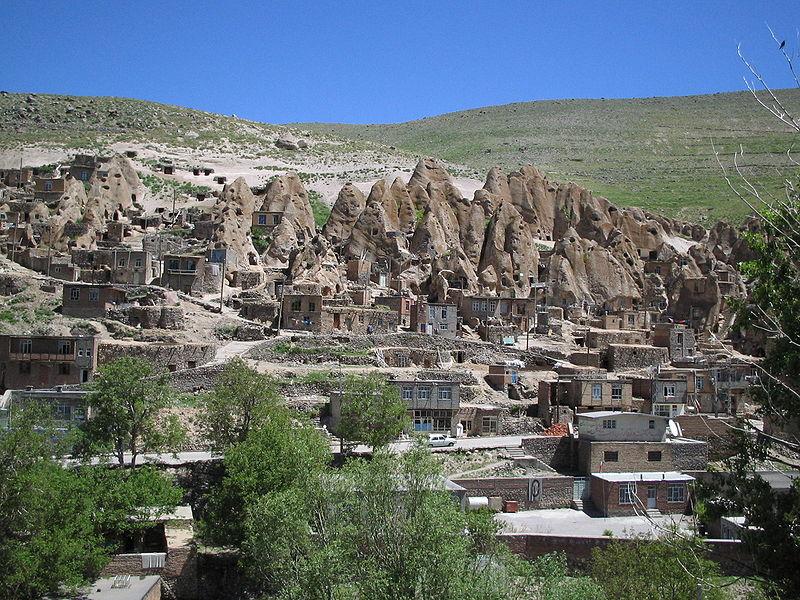 File:Village troglodyte kandovan iran.jpg