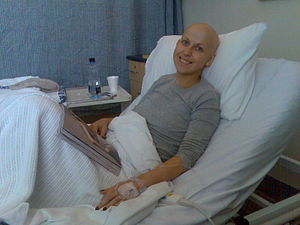 English: Cancer patient in hospital with neutr...
