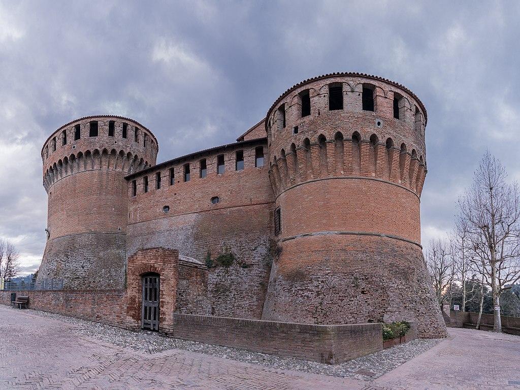 1024px-La_Rocca_-_Dozza Bologna e dintorni da scoprire in auto