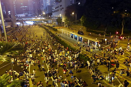 Protesters occupy Queensway in Admiralty, 28 September 2014