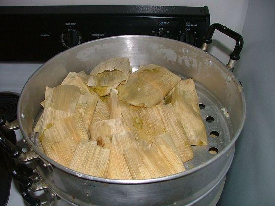File:Tamales mexicanos navidad2004.jpg