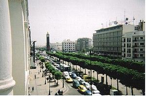 Deutsch: Die Avenue Habib Bourguiba in Tunis, ...