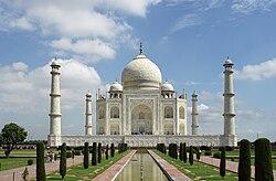 تاج محل قصر هندي يرجع إلى القرن السابع عشر بناه ملك لزوجته يعتبر