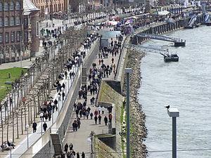 Rheinuferpromenade in Düsseldorf