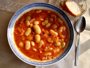 English: Polish bretonne beans with tomatoes