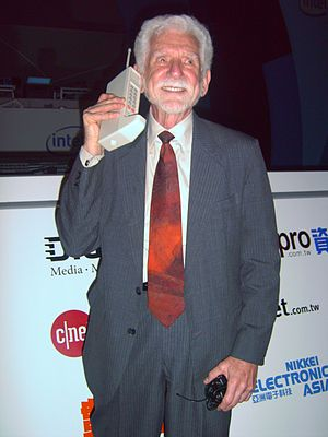 English: Dr. Martin Cooper, the inventor of th...