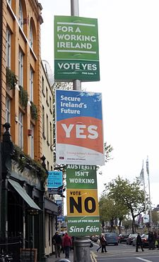 https://i2.wp.com/upload.wikimedia.org/wikipedia/commons/thumb/1/1f/Irish_Fiscal_Compact_referendum_posters.jpg/225px-Irish_Fiscal_Compact_referendum_posters.jpg