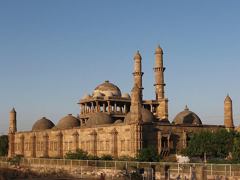 Jama masjid in Champaner.JPG