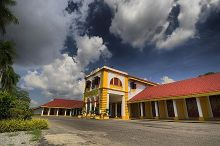 The former Government English School in Alor Setar, the secondary school attended by Mahathir and founded by his father, now the Sultan Abdul Hamid College[20]