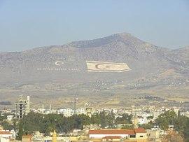 English: Turkish flag (left) and Turkish Cypri...