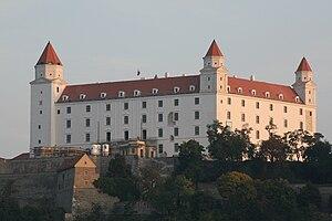 Slovenčina: Bratislavský hrad po rekonštrukcii