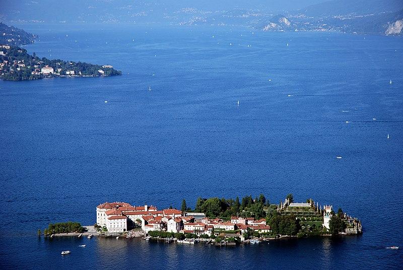 File:Lago-Maggiore 1491a.jpg