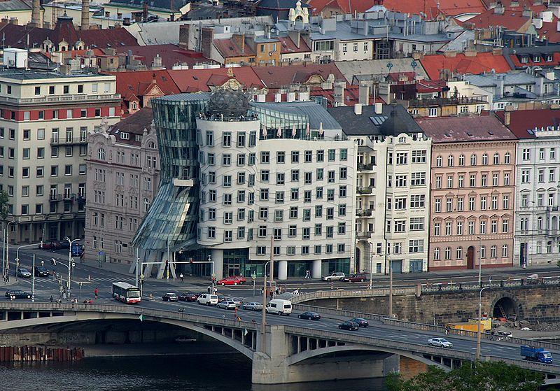 File:Praha Tancici dum.jpg