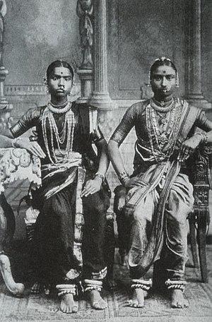English: A photograph of two Devadasis taken i...