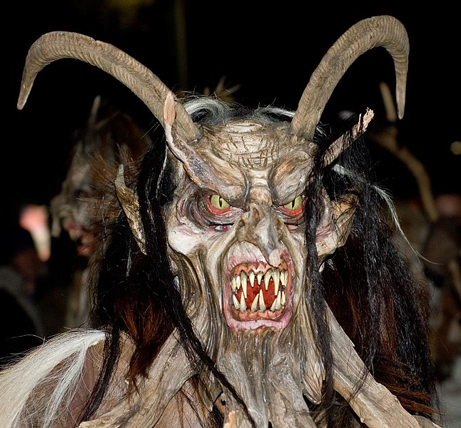 File:Krampus at Perchtenlauf Klagenfurt.jpg