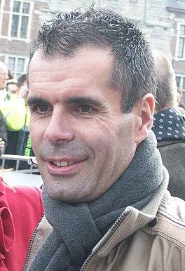 Peter van Petegem na zijn wielercarrière, bij de start van de Omloop het Nieuwsblad 2009
