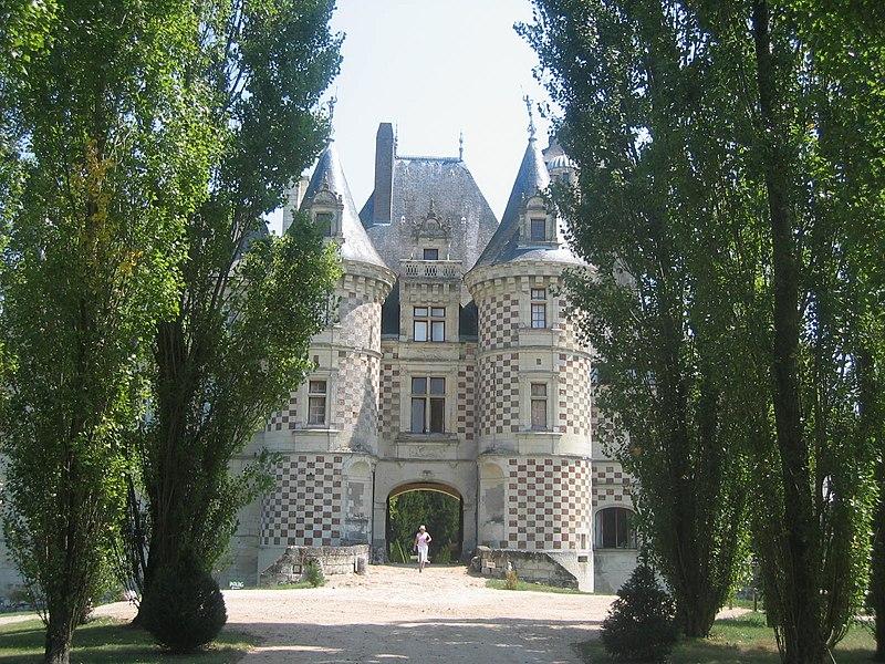 ChateaudesReauxHaupthaus02