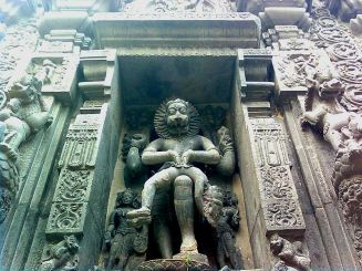 File:Lord narasimha rock statue backyard simhachalam temple.jpg