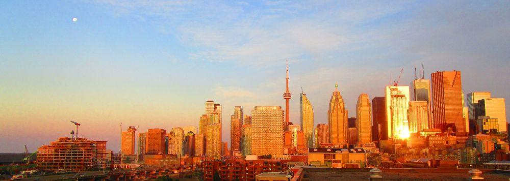 Toronto skyline, at dawn, 2017 06 12