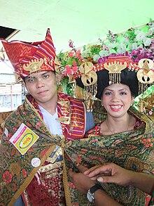 Batak Karo Wedding Selendang.jpg
