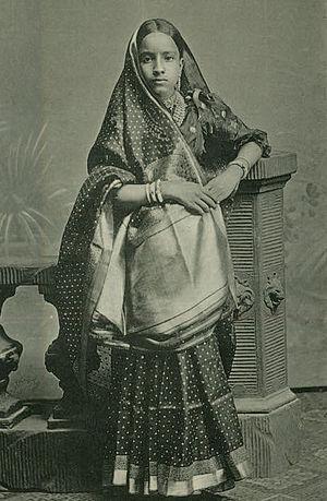 English: Young girl in Gujarati Sari, in this ...
