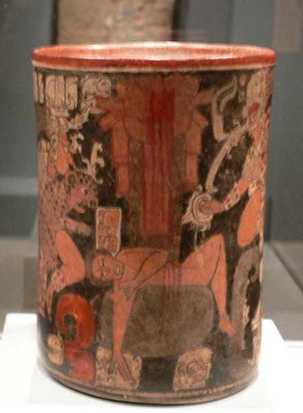 Sacrifice humain sur une vaisselle Maya daté de autour de l'an 600 H ( au ''Dallas Museum of Art'')