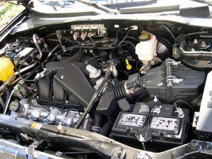 File:2006 Ford Escape Duratec 30 enginejpg  Wikimedia