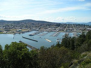 View of the downtown and marina of Anacortes, ...