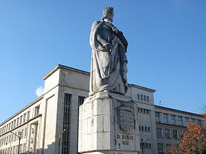 Statue of King Dinis I in the University of Co...