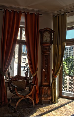 English: Big clock collection in the old cente...