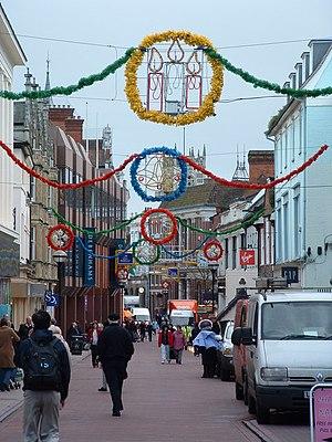 English: Christmas Shopping Looking east along...
