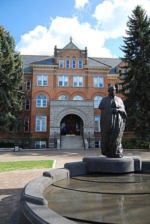 The main entrance of Gonzaga University in Spo...