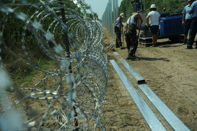 Hungarian-Serbian border barrier 5