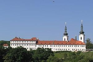 Česky: Praha, Hradčany - pohled na Strahovský ...
