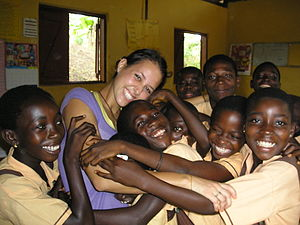 English: Volunteer with her students in Ghana