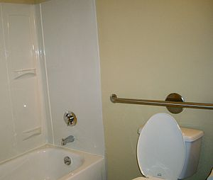 English: Photograph of a bathroom with toilet,...