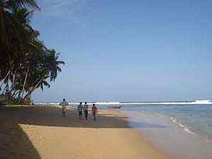 English: Hikkaduwa beach.