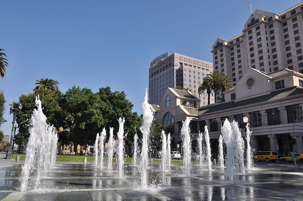 Plaza de Cesar Chavez 02