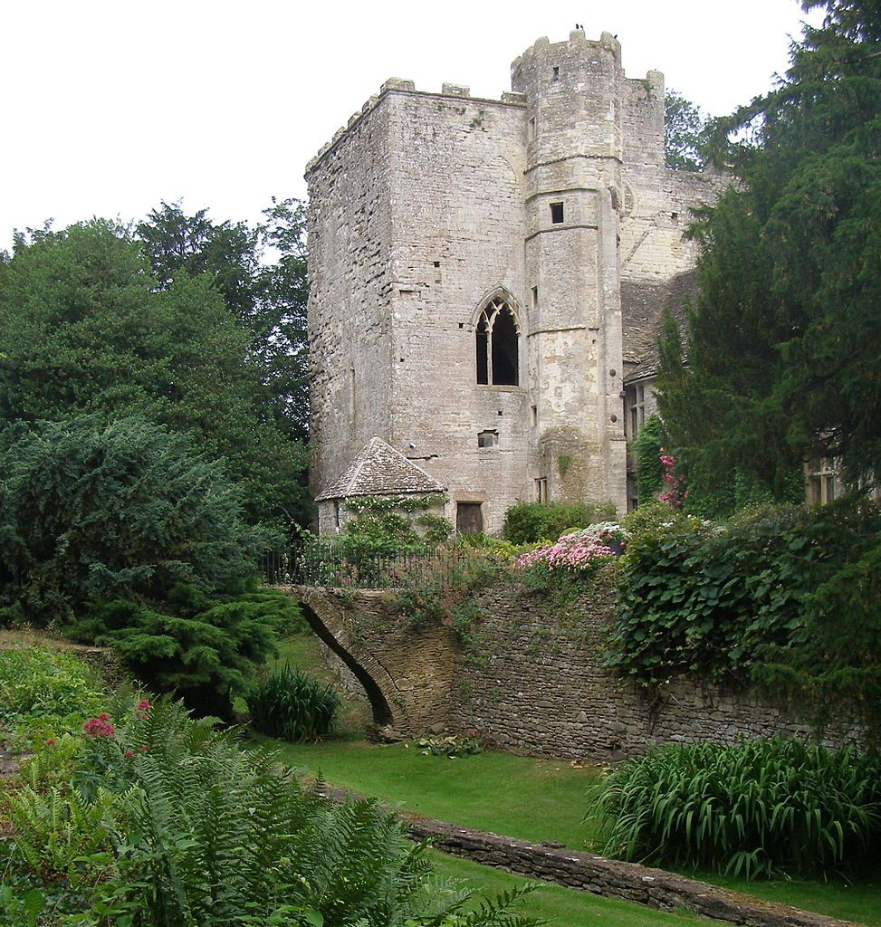 Beverston Castle gatehouse, Gloucestershire