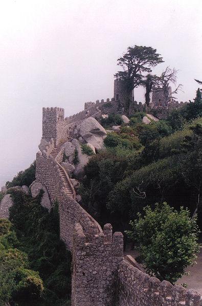 File:Castelo-dos-Mouros 1.jpg