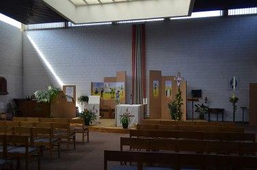 File:Dampremy - église Saint-Remy - intérieur - 01.jpg