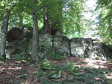Geotop Diebstein bei Lanzenhain am Wanderweg Felsentour Herbstein