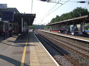 English: Elstree & Borehamwood station slow pl...