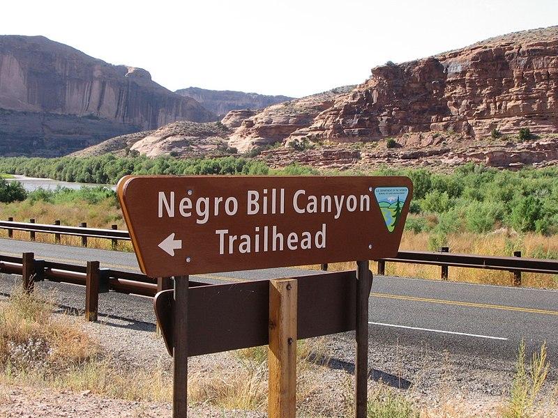File:N-word Bill Canyon sign.JPG