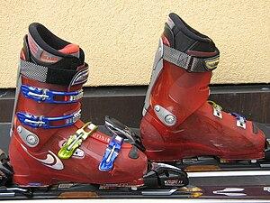 English: Hardboots for alpine skiing, front-en...