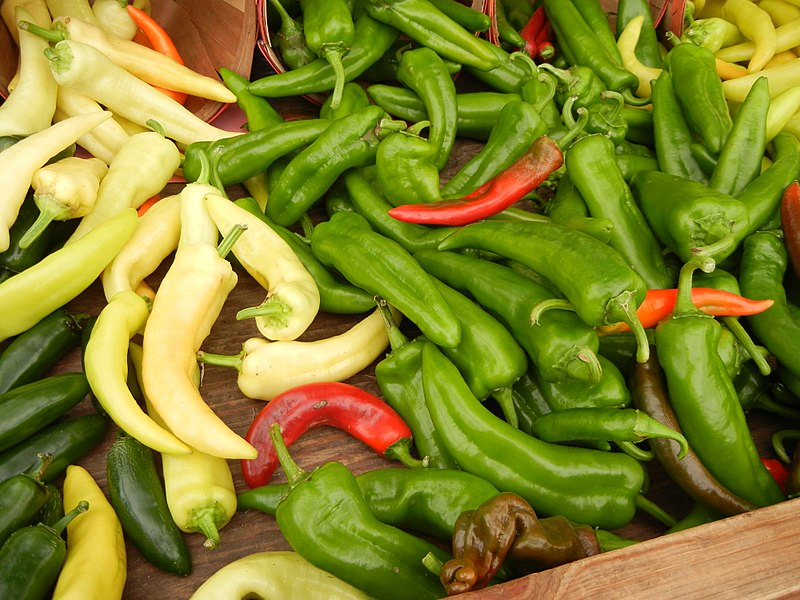 File:Anaheim Chili Peppers.jpg