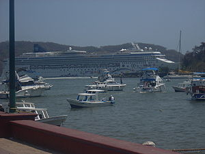 English: The Norwegian Star in Ixtapa Mexico